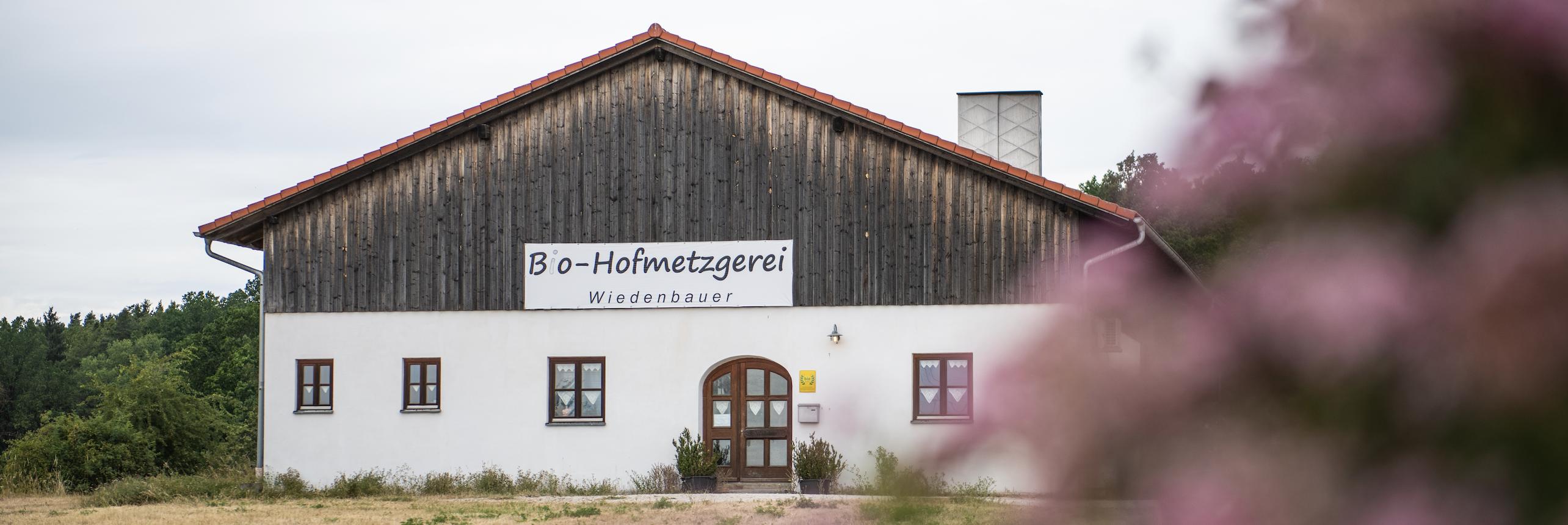 Aussenansicht der Bio-Hofmetzgerei Wiedenbauer